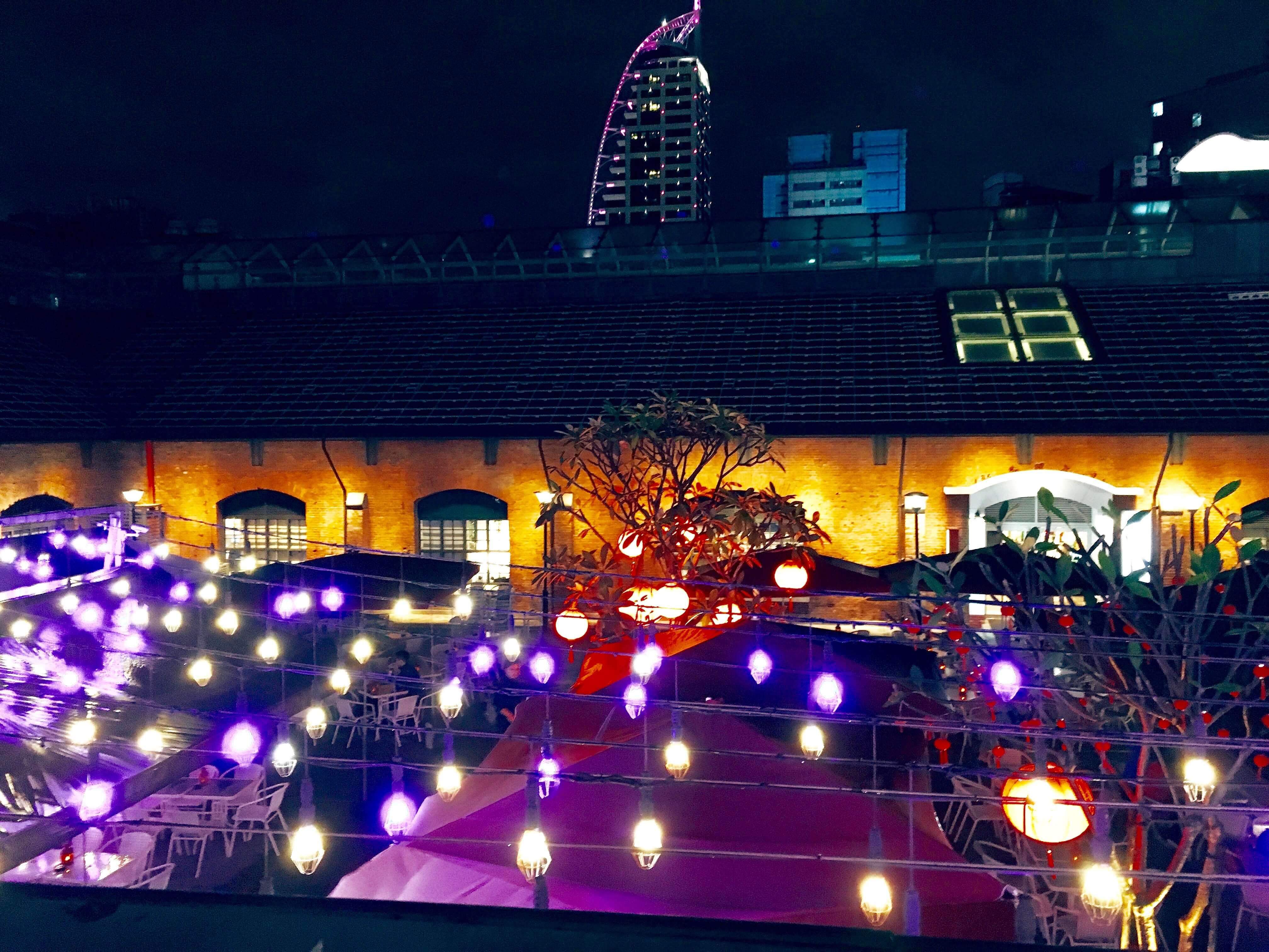 台湾 ゲイタウン 照明