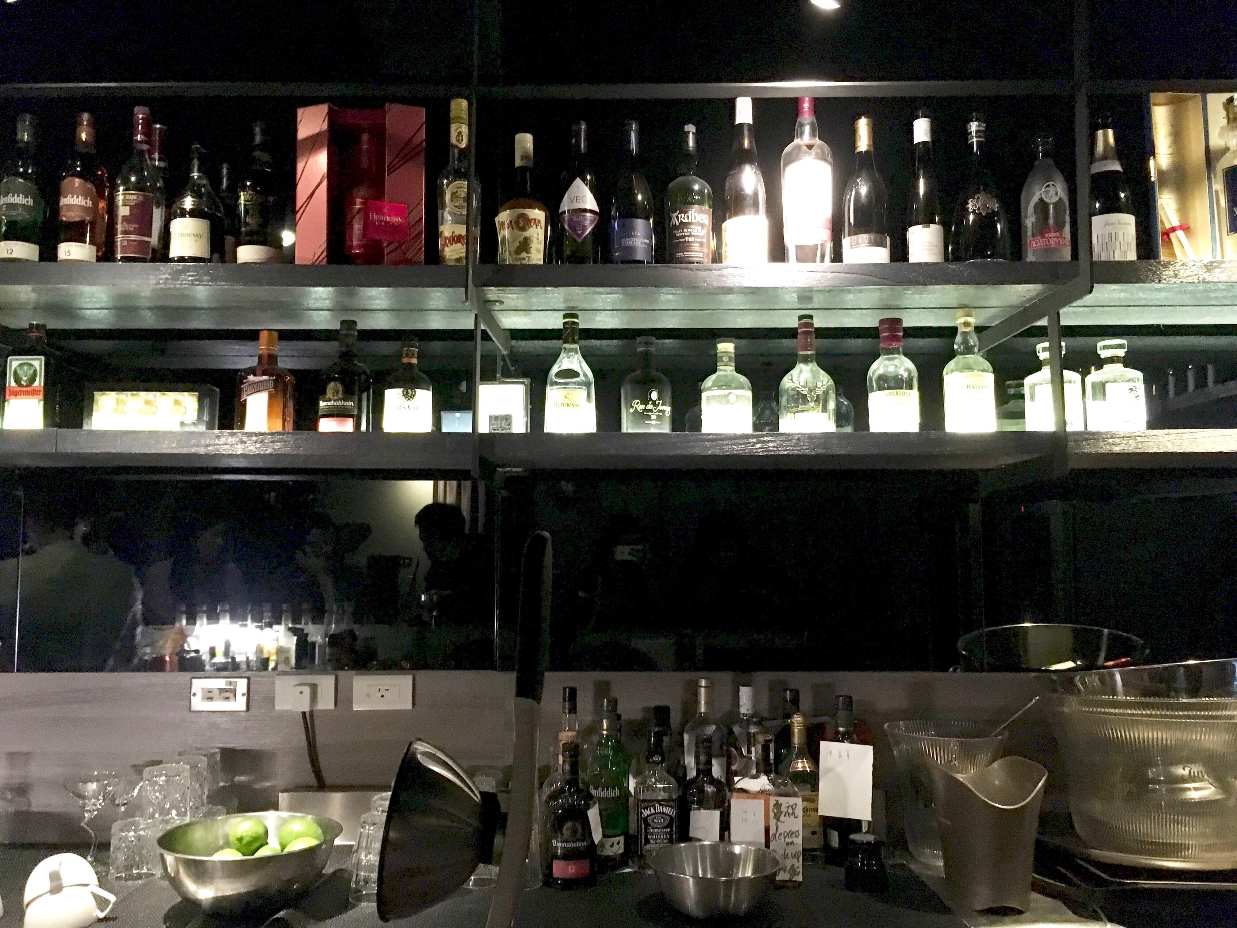 台湾Wonder Bar カウンター