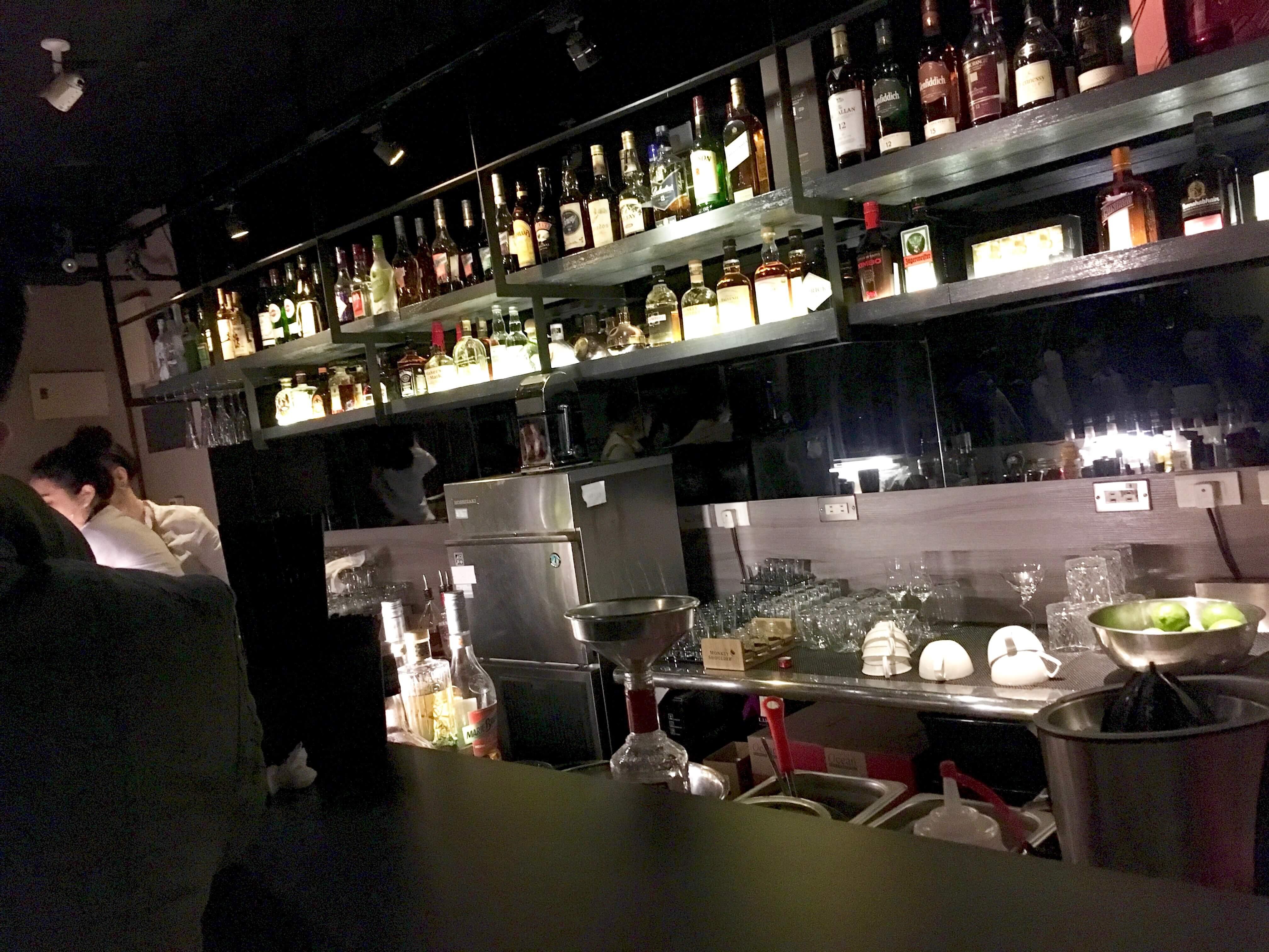 台湾Wonder Bar バーカウンター